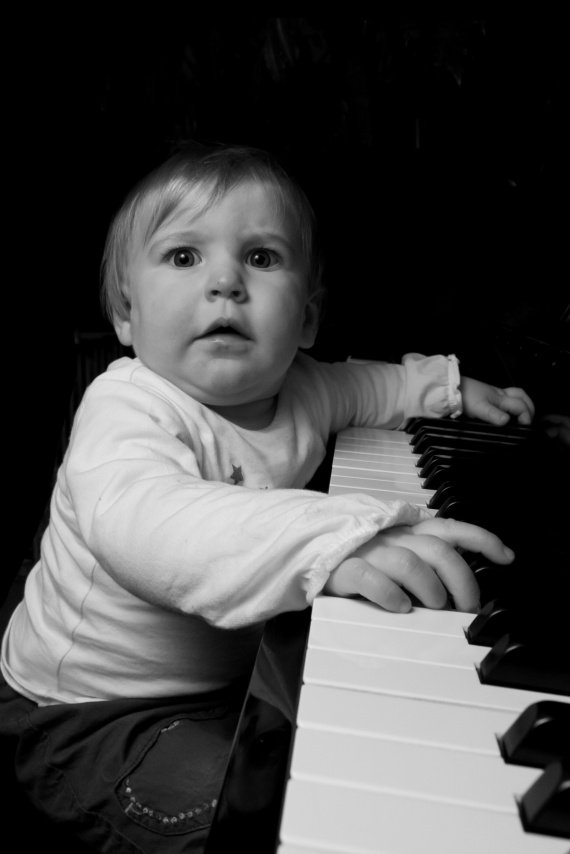 lucie-piano-2-img