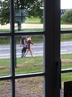 à la fenêtre de mon bureau