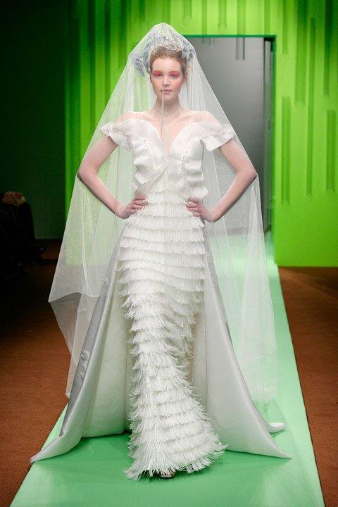 Pour celles qui n 39 ont pas encore choisi leur robe ou pour for Prix de robe de mariage en or georges chakra
