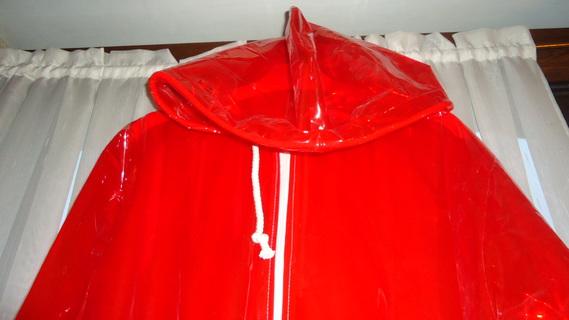 DSC00492 imper rouge translucide
