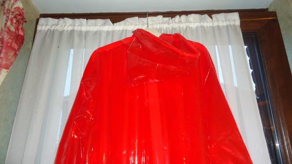 DSC00497 imper rouge translucide