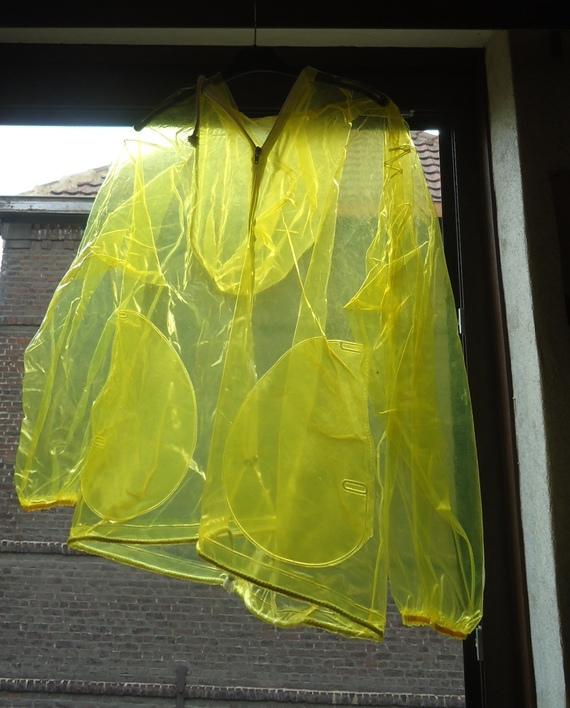 DSC00886 imper jaune translucide