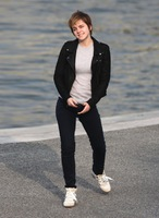 Emma-Watson-Looking-Hot-On-Her-New-Movie-Set-02