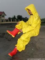phoca_thumb_l_yellowsuit12