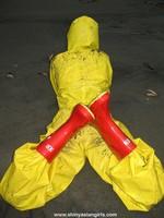 phoca_thumb_l_yellowsuit15