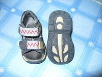 sandalette petit pirate P18/19 tbe a scratch 10euros