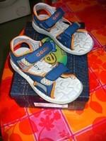 sandalettes GEPY TTBE POINTURE 30 avec boite 25EUROS
