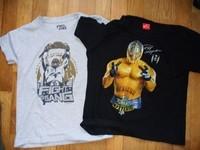 lot de 2 tshirt MC REY MISTERIO TBE , tshirt gris et noir tbe Taille 8/10ans