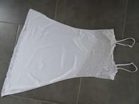 nuisette blanche avec dentelle transparente 38/40 neuve (petite tache derrière) 8€ bretelles reglabl