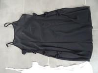 autre vue de la noir neuve ouverte sur les cotés avec noeuds 14€