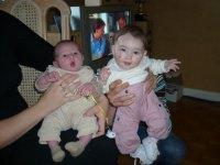 avec sa cousine, 5 mois d'ecart...