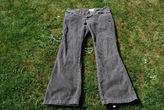 pantalon velour kaki zara 4 v tements femme hiver aw ay photos club doctissimo. Black Bedroom Furniture Sets. Home Design Ideas