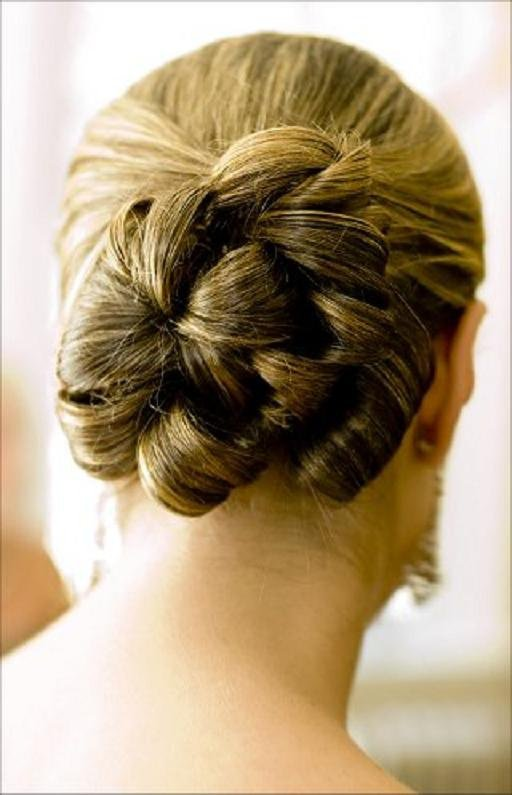 wedding-hairstyle-bun-up-do1