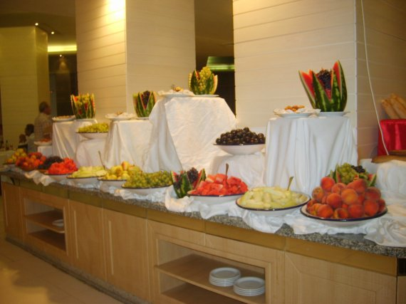 LA SOBRIETE DU BUFFET DES FRUITS