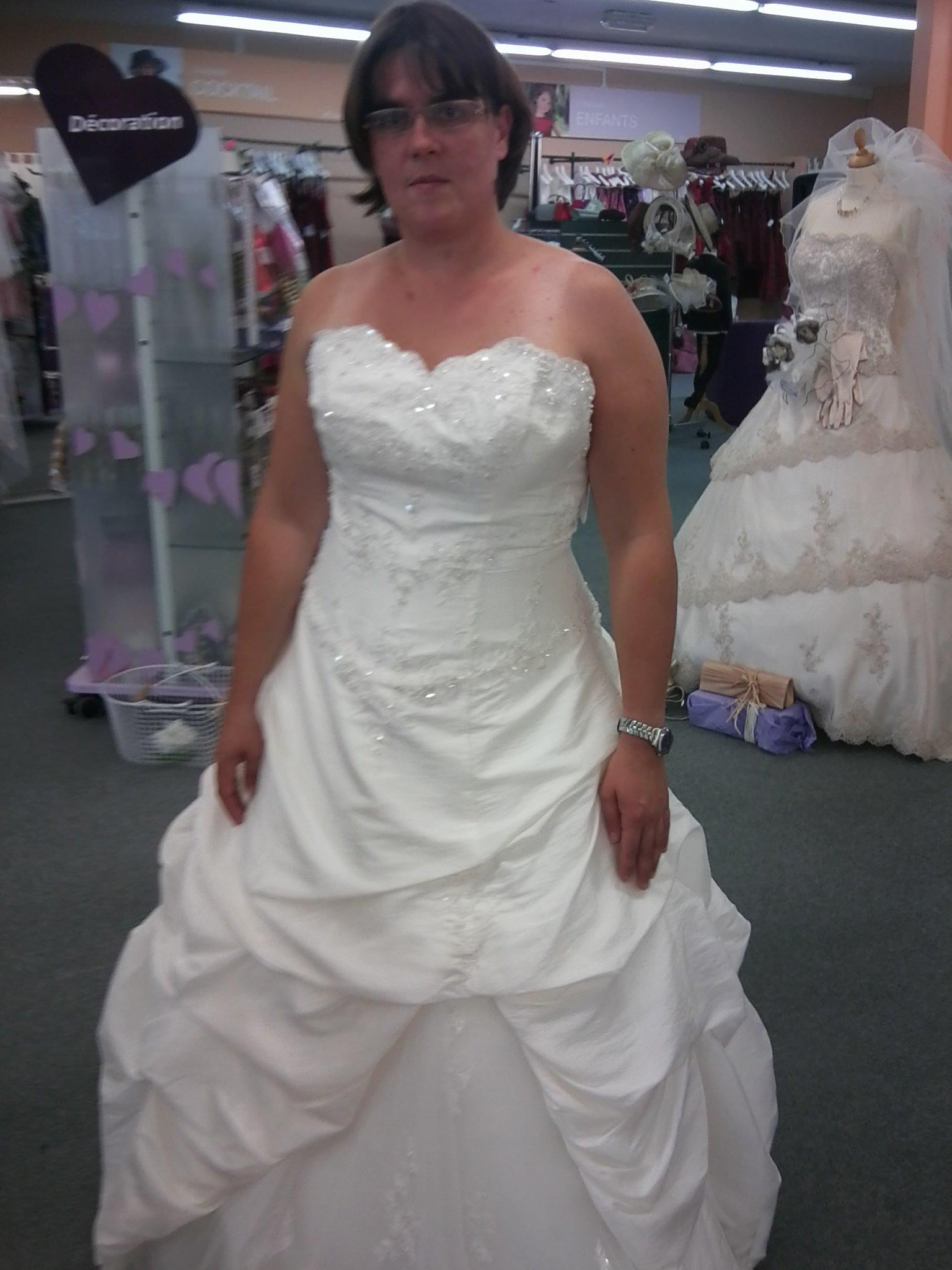 Robe de mariee sirene femme ronde
