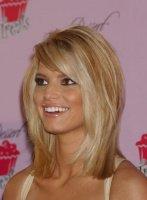 Blonde-Medium-Hairstyles2-e1305975655713
