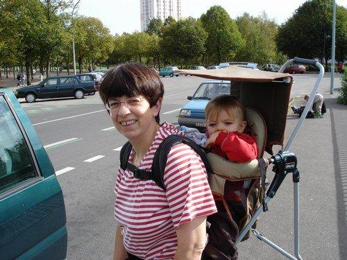 749be72b9d0 comment mettre bébé dans un porte bébé rando  - Jumeaux