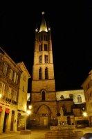 Eglise et place Saint-Michel.