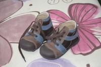 7e - chaussures TBE ideales 1ers pas - PAT ET RIPATON - pointure 21 ( valeur neuve 42e) Mises que pe