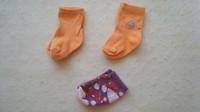 ( P5) 0.30 euro  la paire de chaussettes taille 15/18  3-6 mois ou 70 centimes le lot