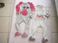 ( P50 B ) 1.50 euro  le pyjama au choix( le rouge est un peu usé aux pieds 2 ans DISNEY