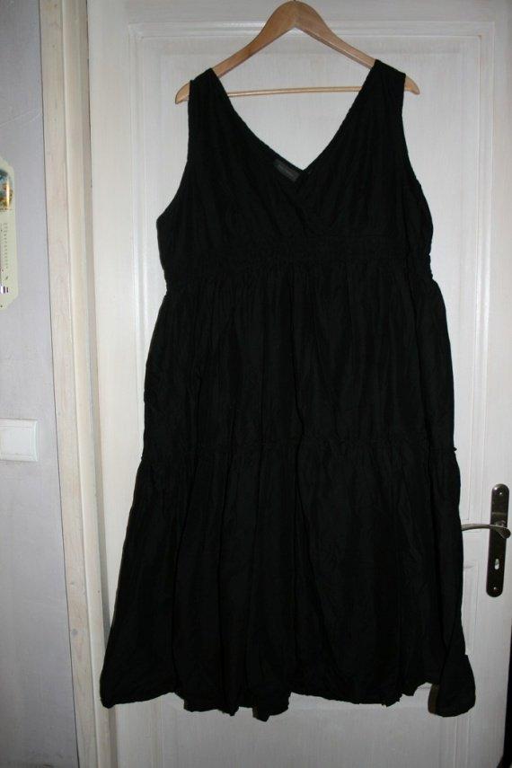 robe de grossesse en coton noir taille 50/52, 5 euros