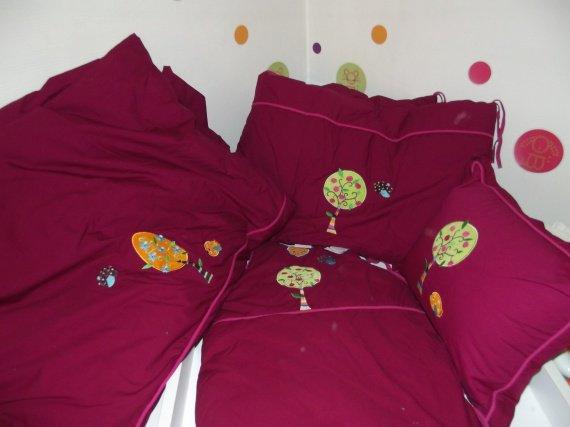 parure de lit carr blanc trop tard spateur photos club doctissimo. Black Bedroom Furniture Sets. Home Design Ideas