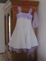robe à vendre : 2modèles 6 ans et 8 ans