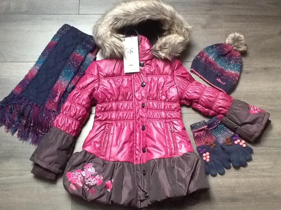 c8271cc5fc667 Manteau Catimini Grand froid 4 ans et accessoires Catimini Labo. Alerter  les modérateurs Voir l'image au format original