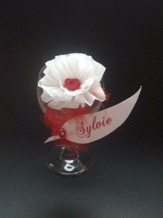 marque place fleur papier sur pince th me amour romantisme plume la boutik d 39 angelik. Black Bedroom Furniture Sets. Home Design Ideas