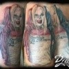 photo-image-tatouage-harley-quinn-pin-up-couleur-baton-baseball-tattoo-couleur