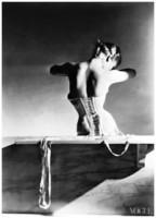 horst-p-horst-mainbocher-corset-paris-august-11-1939