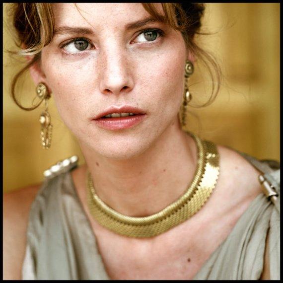 Sienna Guillory - Wallpaper Actress