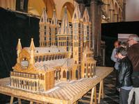 La maquette réalisée en pinces à linge en bois