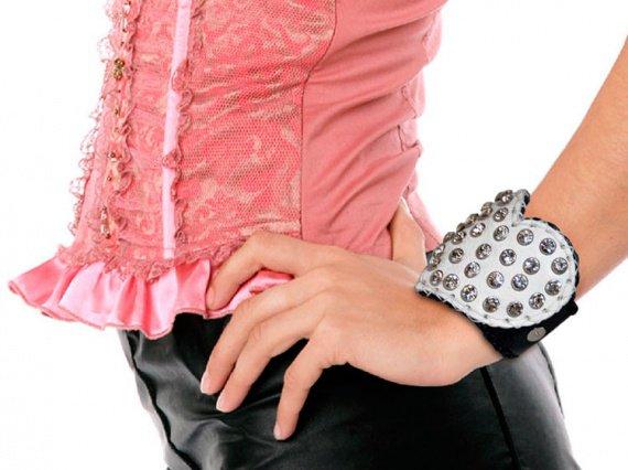 heart-white-leather-bracelet-1
