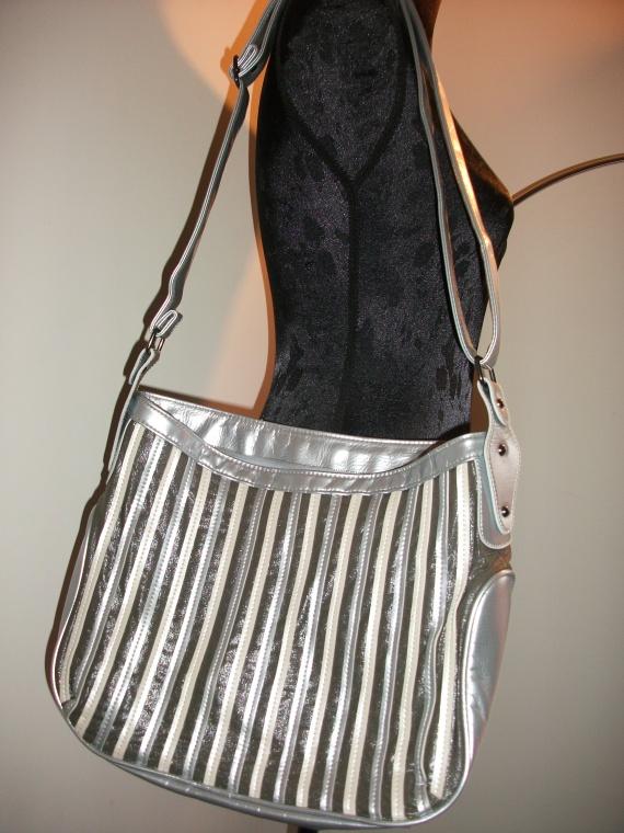 Sac * Ceinture * Produit Cheveux * Echantillons * BEAUTE BIO * PROMOS Accessoires-beaute-ceinture-sac-gris-2-img