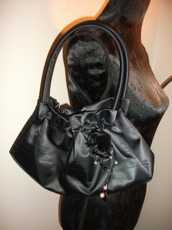 Sac * Ceinture * Produit Cheveux * Echantillons * BEAUTE BIO * PROMOS Accessoires-beaute-ceinture-sac-noir-img