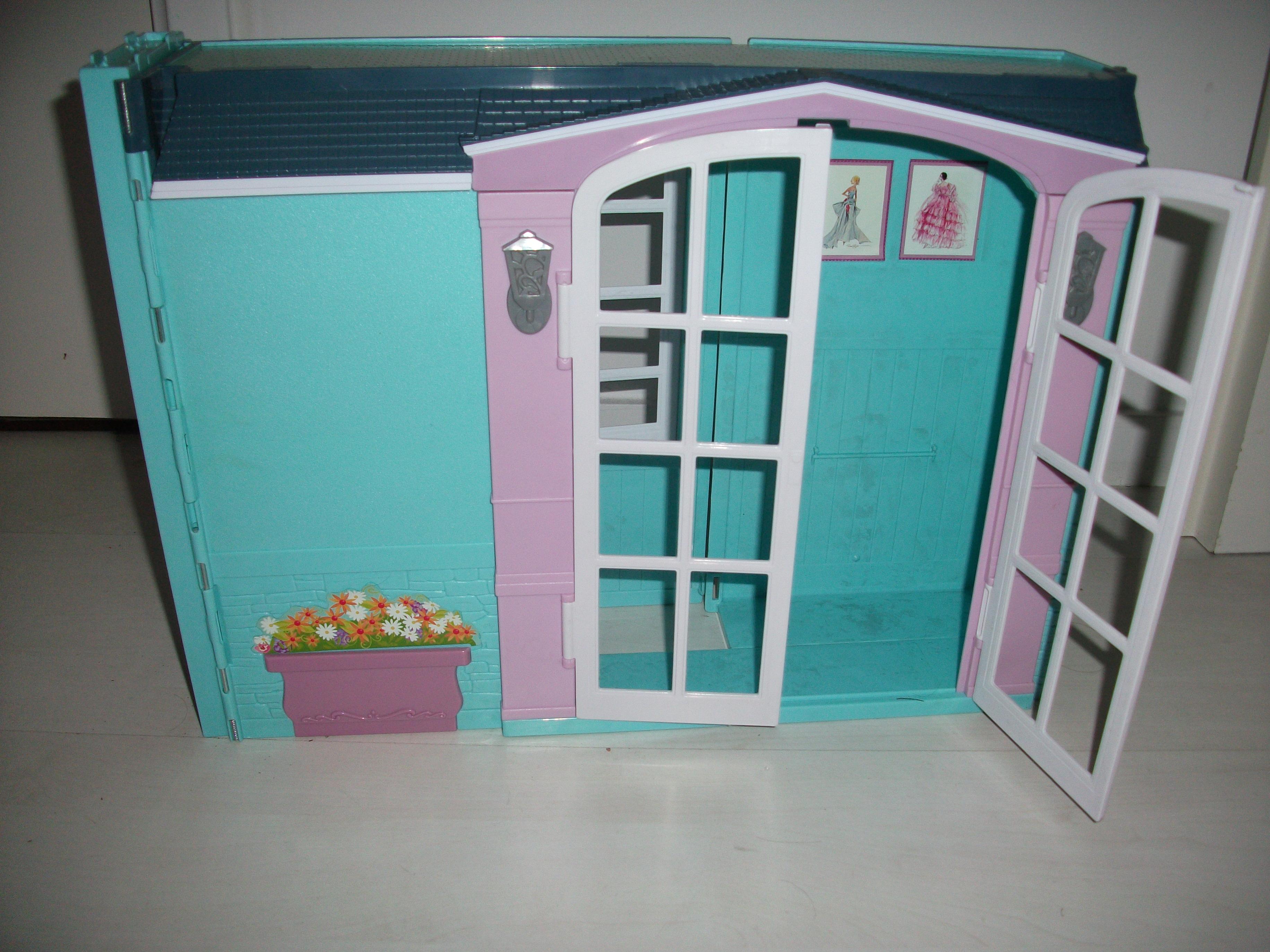 Maison de poup e pliante 4 jouets et barbie meirim photos club doctissimo - Maison pliable ...