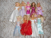 Lot de 7 Belles Barbie