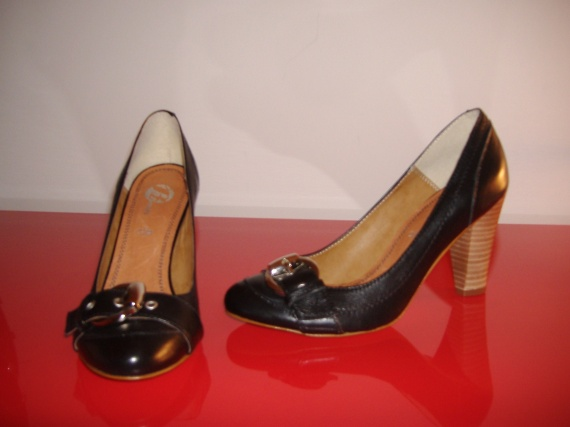 37-38 : Sandales, Bottes, Escarpins, Mules * San Marina, Morgan, André (NEUF)...  Chaussures-femmes-bottes-vivaldi-p39-img