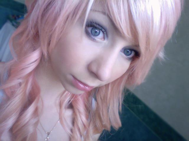 Blond Froid Tres Tres Clair Nacre Perle Reflet Rose Coiffure Et