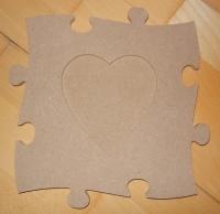 cadre photo puzzle coeur 20X20 cm = 8 euros décoré