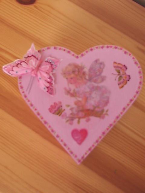 boite coeur avec elfe et papillons