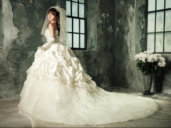 рекомендуем избранное.  Свадебные платья с корсетом для модной.  210.00.