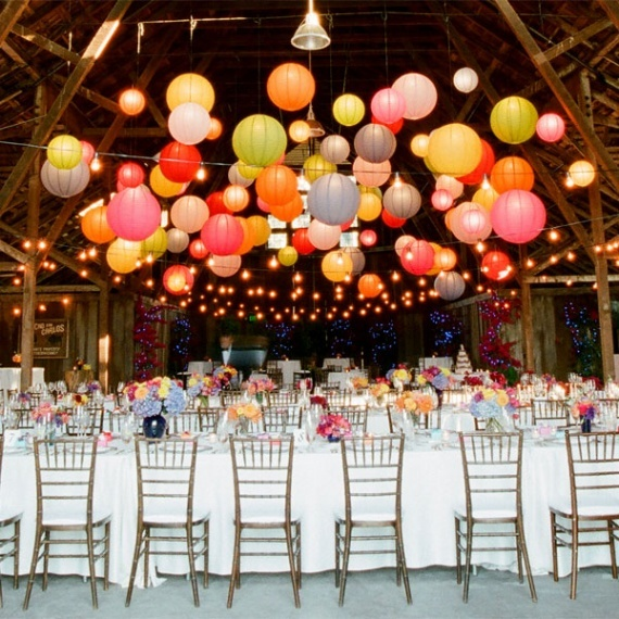 mariage-inspiration-retro-floating-paper-lanterns-img