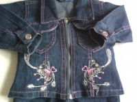 ensemble veste en jeans + pantalon  2€