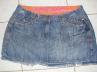 mini jupe jeans taille 42 prix 5€