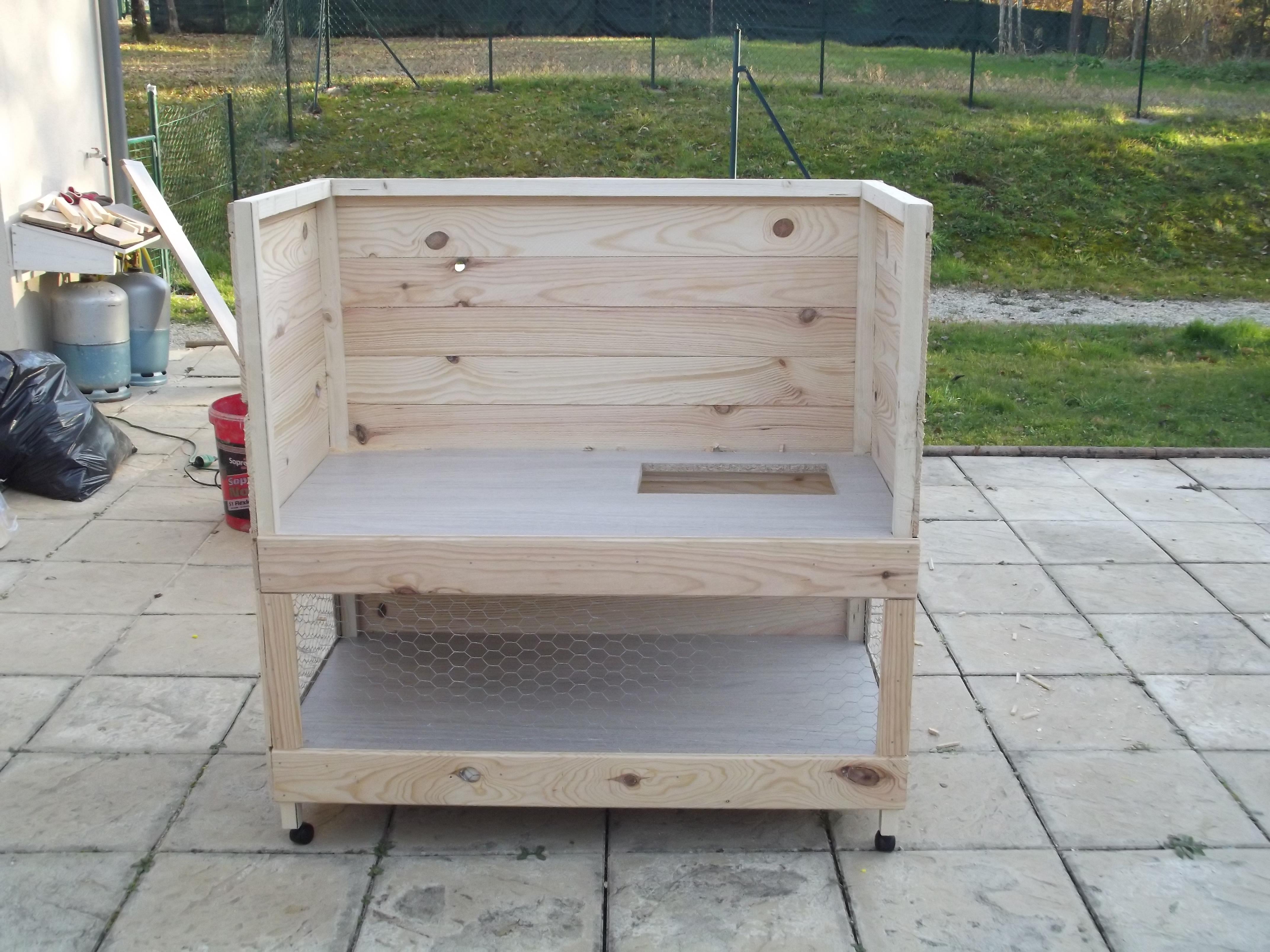 Cage a lapin en bois a fabriquer for Fabrication cage oiseaux exterieur