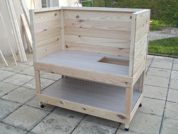 fabrication d 39 un clapier accueil d 39 un lapin b lier. Black Bedroom Furniture Sets. Home Design Ideas