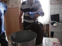 Distillation, On transvase après ajout de l'eau-